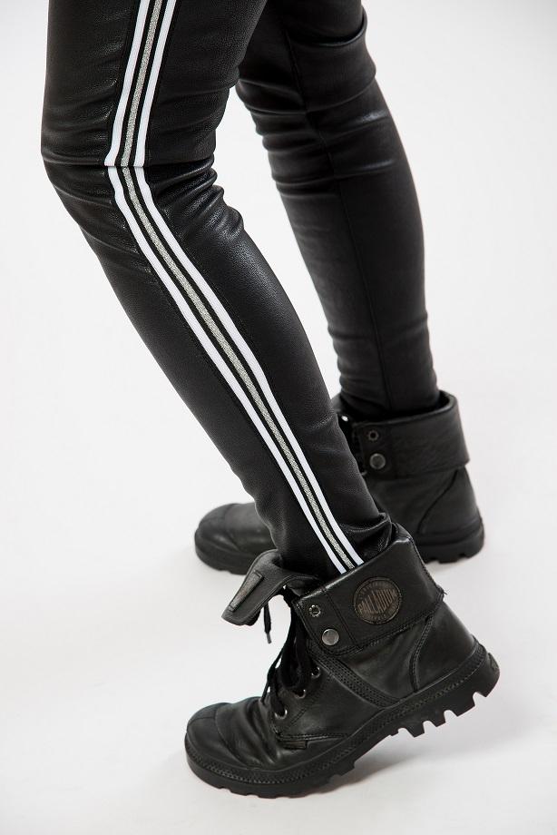 Coole Leggings aus Lederimitat