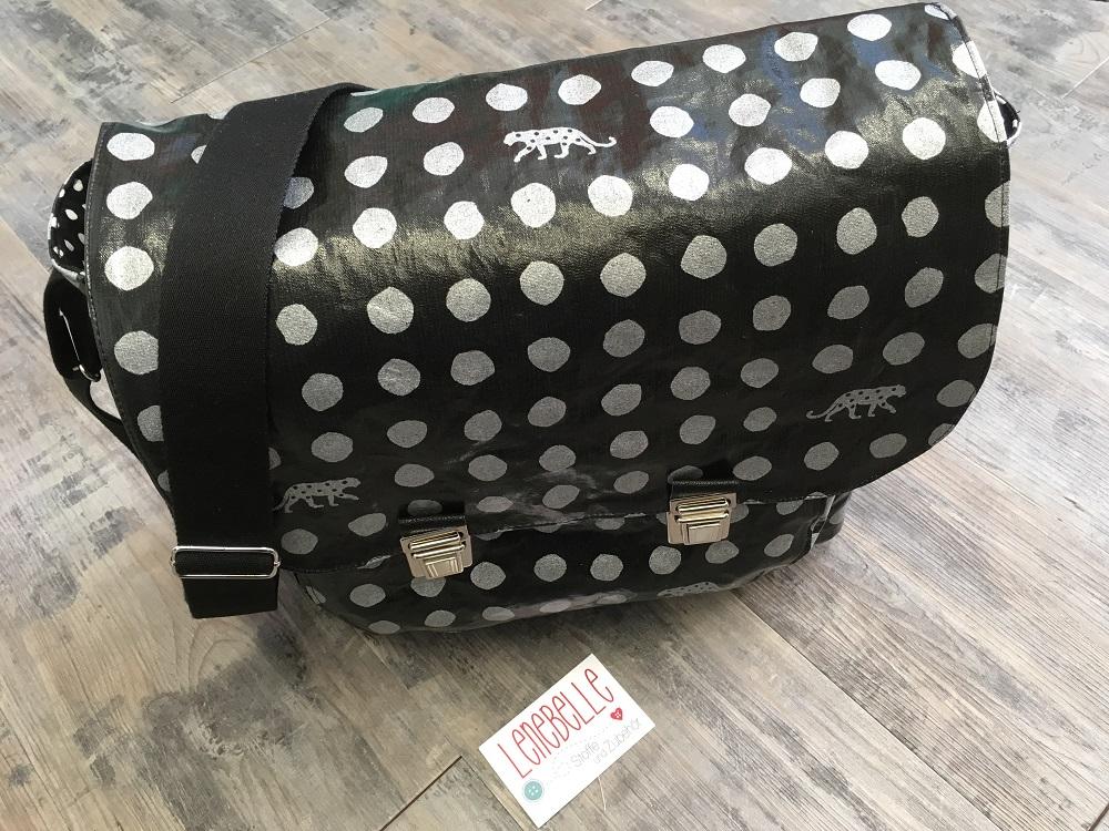 Wachstuchtasche Philine als coole Messenger Bag